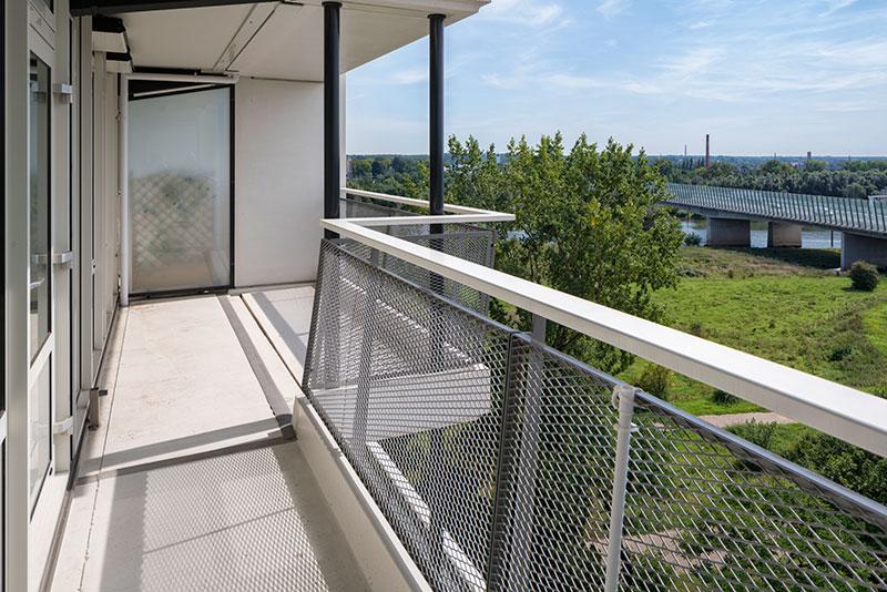 Schrumpf-bouwstoffen-Molenbossen-balkon-voegprofiel-op-kleur